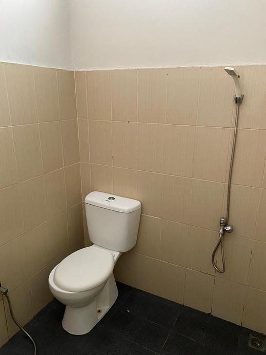 Guest House 33 Mks Makassar - Bathroom