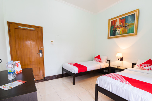 OYO 1339 Sinergi Hotel Tretes Pasuruan - Bedroom