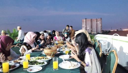 D'Inn Rungkut Juanda Surabaya - Agenda Di Rooftop