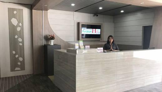 Best Skip Hotel Palembang - Front Officer