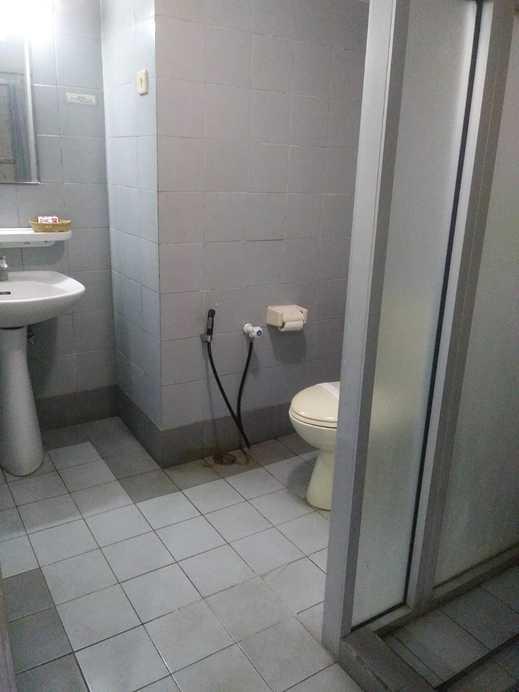 Hotel Griya Permai Jakarta - Bathroom