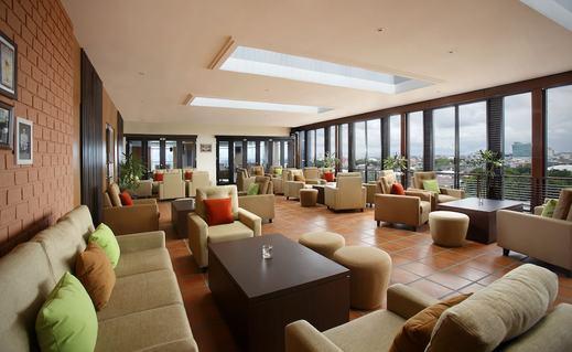 Hotel Santika Makassar Makassar - Lobby Lounge