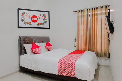 OYO 1038 Embun Pagi Syariah Residence Malang - Bedroom