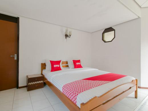 OYO 1996 Koneng Hotel Cianjur - Bedroom