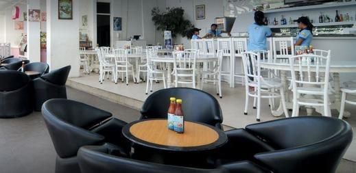 Oasis Siliwangi Sport Hotel Bandung - Restaurant