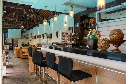 Airy Cicendo Pasirkaliki 53 Bandung Bandung - Cafe