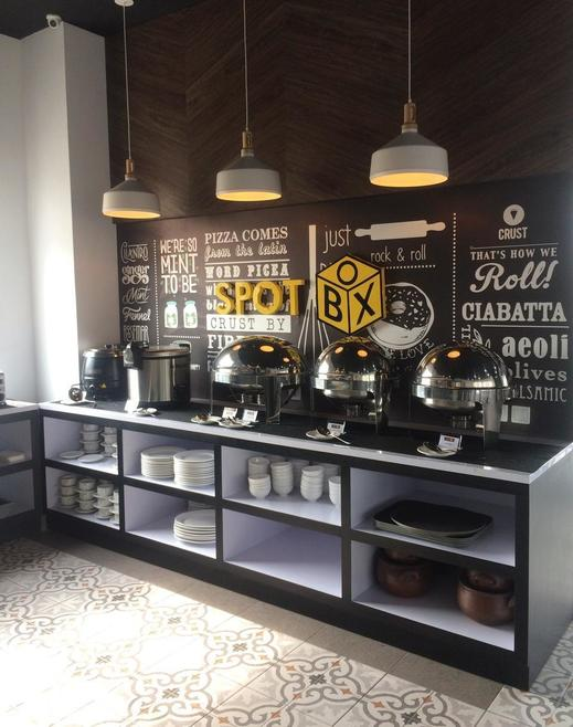Front One Inn Kediri Kediri - SpotBox Cafe