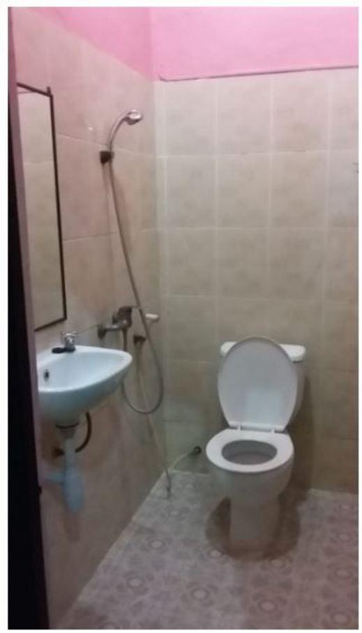 My Hommy Surabaya - Bathroom