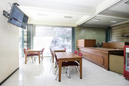 Airy Regol Moh Toha 199 Bandung - Restaurant