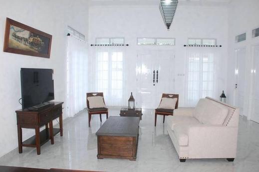 Griya Pamengkang 2 - Colonial House Jogja - Interior