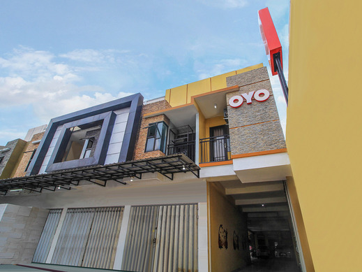 OYO 179 68 Residence Surabaya - Facade