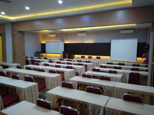 Hotel Parma Pekanbaru - MEETING ROOM