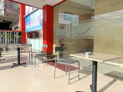 Hotel Parma Pekanbaru - Exterior