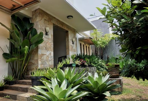 Pasteur Beautiful Luxury House Bandung - Exterior