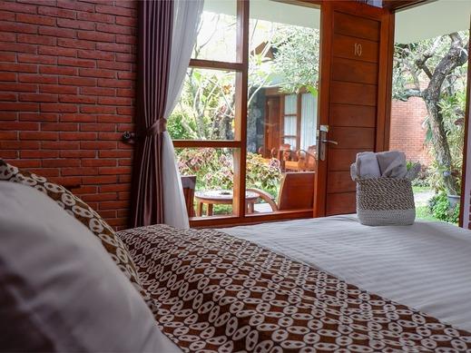 Rumput Hotel Yogyakarta - Savana