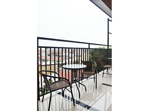 Bima Guest House Malang - Pemandangan balkon