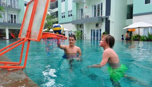 HOTEL & RESIDENCES Riverview Kuta - Bali (Associated HARRIS) Kuta - Kolam Renang