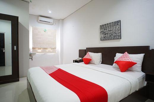 OYO 1477 Athar 88 Hotel Balikpapan - Bedroom