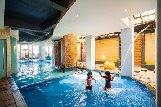 The Gloria Suites Jakarta - SWIMMING POOL