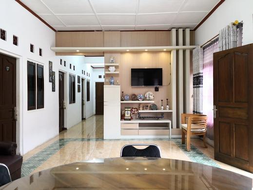 Metro Malioboro Living Yogyakarta - Home Deluxe