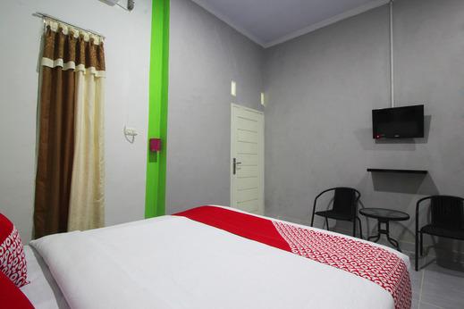 OYO 2286 Wisma Laut Tawar Bandar Lampung - Bedroom