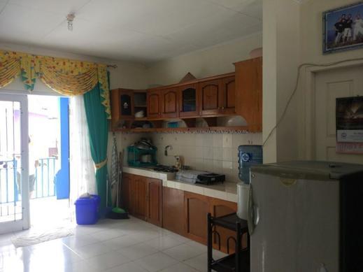 Villa Abdi Cipanas Cianjur - Kitchen