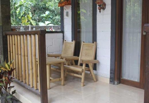 Balangan Cottage Bali - Teras Bungalow