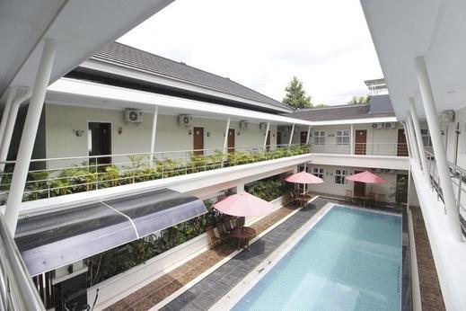 RedDoorz Syariah Plus @ Jakal Bawah 3 Yogyakarta - Outdoor Pool