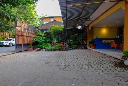 Mandiri Homestay Lombok - Area parkir