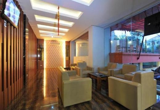 Studio Inn & Suites Semarang Semarang - Karaoke