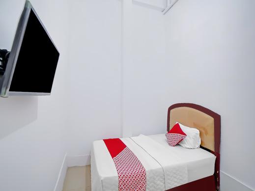 OYO 90387 Sepakat Guest House Medan - Guestroom S/S