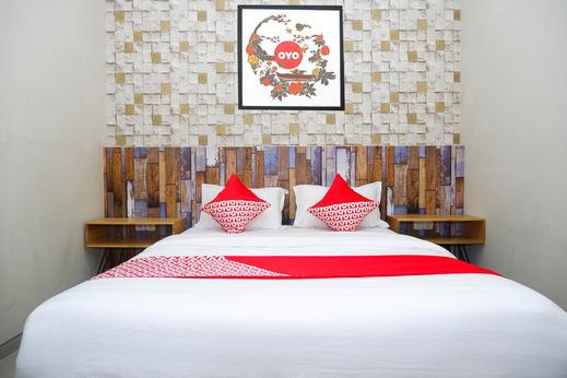 OYO 1094 Guest House 360° Banyumas - Bedroom