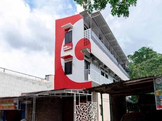OYO 1634 Dom Residence Medan - Facade