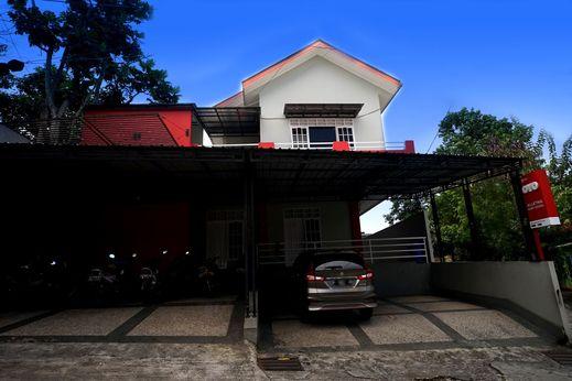 OYO 1007 Alletha Guest House 2 Balikpapan - Facade