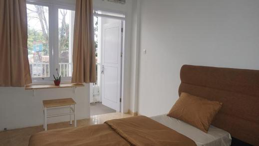 Al-Barra Syariah Bukittinggi - Bedroom
