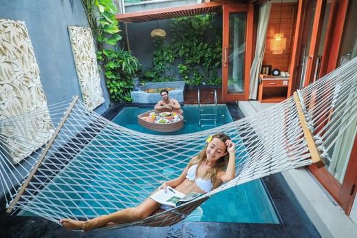Legian Kriyamaha Villa Bali - hammock