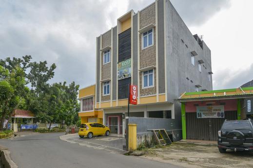 OYO 3232 Rd Kost Palembang - Facade