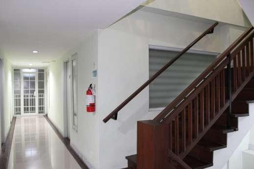 Sky Hotel Jogja - Hallway