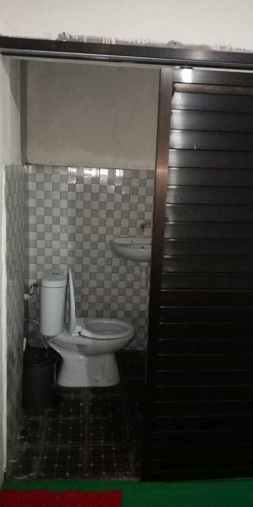 Cheap Inn Banyuwangi - Bathroom
