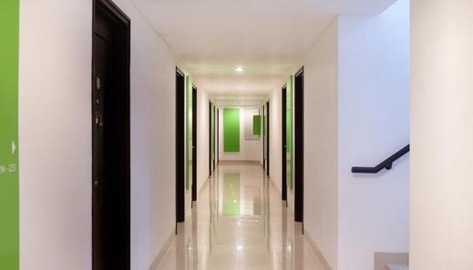 Amaris Hotel Cimanuk Bandung - Corridor