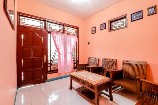 Homestay Penginapan Anita Magelang - Interior