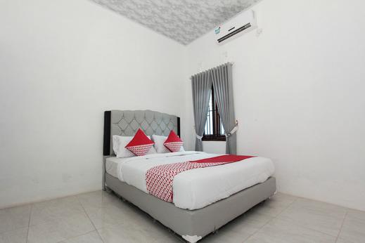 OYO 435 Panglima Polim Homestay Syariah Bandar Lampung - Bedroom