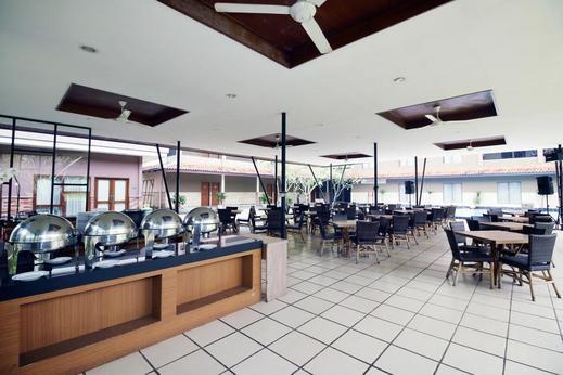 Airy Sentul Desa Sukaraja 16 Bogor - restaurant