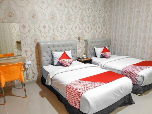 OYO 3196 Hotel Taman Cinta Singkawang - Deluxe Twin