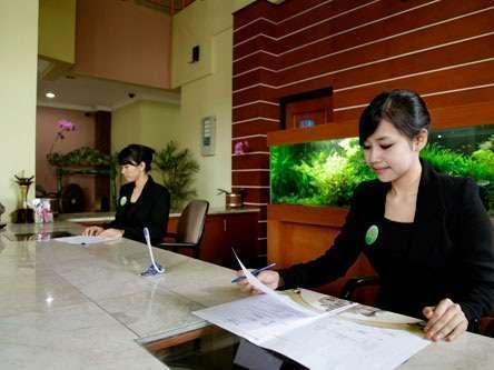 Isola Resort Bandung - Resepsionis