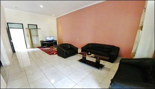Villa 2 Bedrooms Near Jatim Park No. B2 Malang - interior