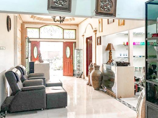 Vandhela Homestay Syariah by RedDoorz Surabaya - Photo