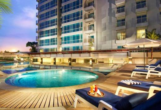 El Royale Hotel Bandung - Swimming Pool