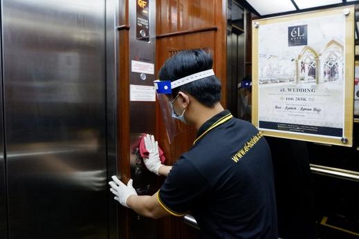 El Royale Hotel Bandung - Hygiene at Lift