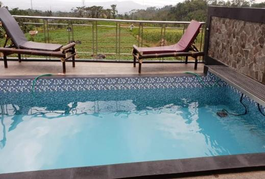 Villa Saung Suluh Banyumas - Pool